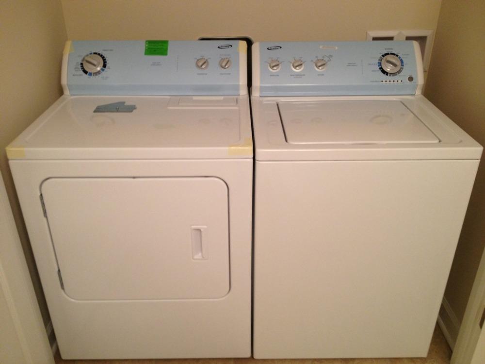 2012 Crosley Whirlpool Vmw Washer And Dryer Pair
