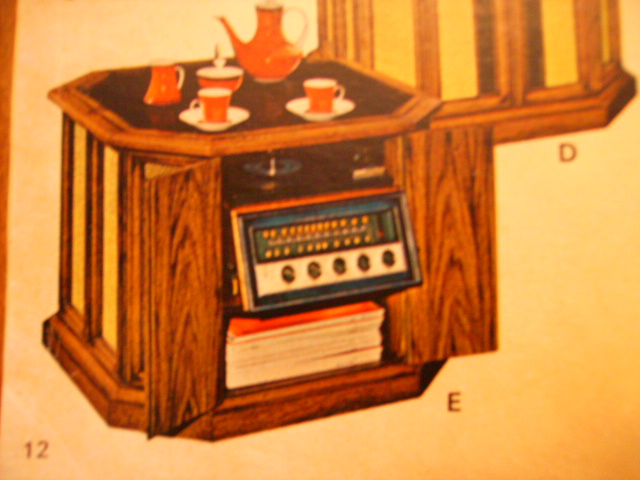 Stereo Turntables In Dd Use