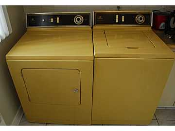 Rare Find Maytag Washer And Dryer In Harvest Gold