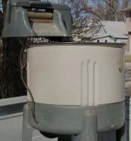 Omaha / Council Bluffs - wringer washer