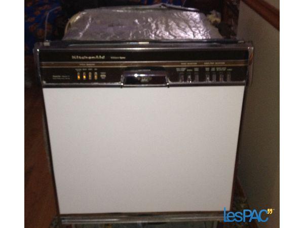 What Model Kitchenaid Dishwasher Is This